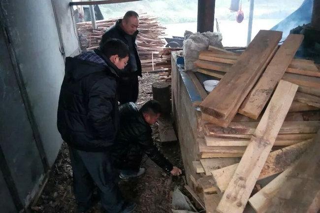 蕉溪镇对木材加工厂进行安全生产大检查