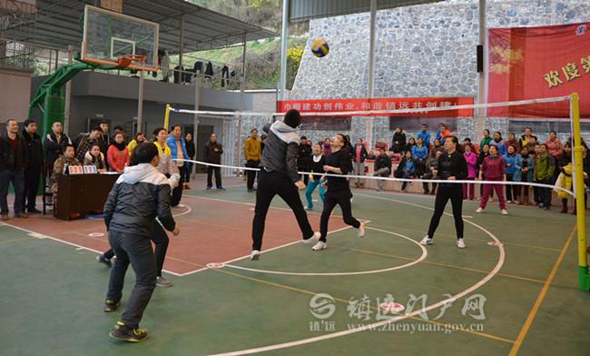 县开展女职工气排球比赛 喜迎三八国际妇女节